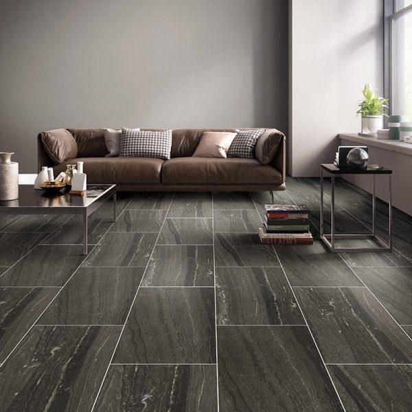 black stone wall tuile floor kitchen backsplash ontario